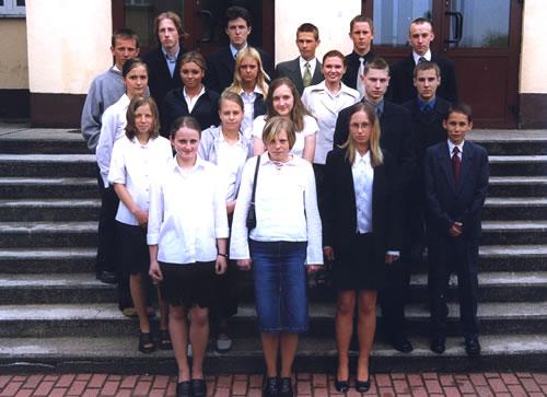 Absolwenci rocznik 2003 klasa A
