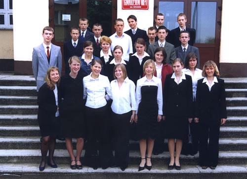 Absolwenci rocznik 2003 klasa F
