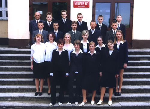 Absolwenci rocznik 2003 klasa G
