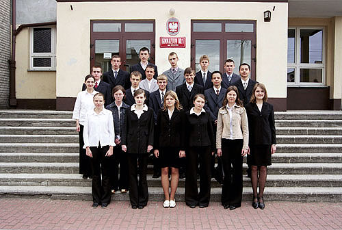 Absolwenci rocznik 2004 klasa G