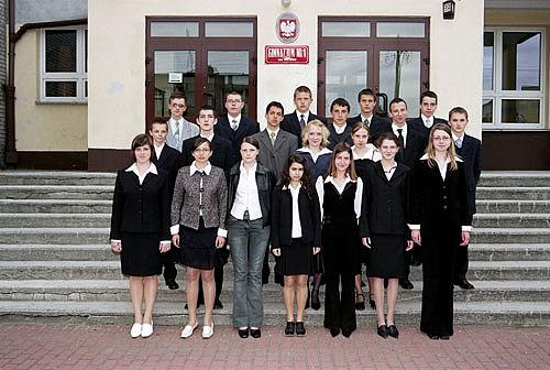 Absolwenci rocznik 2004 klasa H