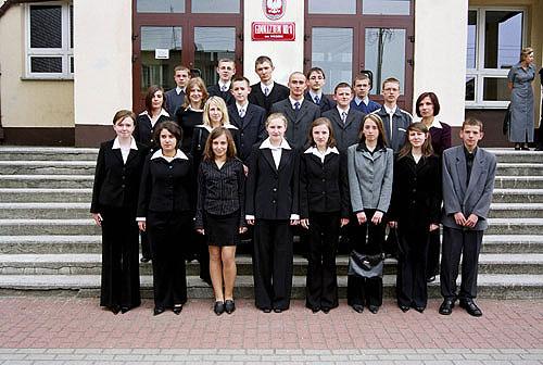 Absolwenci rocznik 2004 klasa L