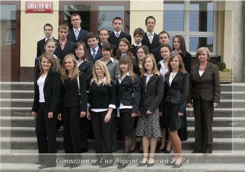 Absolwenci rocznik 2007 klasa H