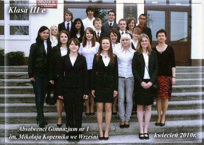 Absolwenci rocznik 2010 klasa E